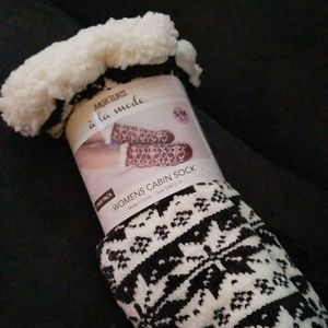 Last One! 2/$40 MUK LUKS Cabin Socks Fluffy Black